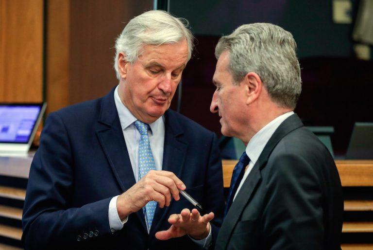 «Κόλλησαν» οι συνομιλίες για το Brexit. Άλυτα παραμένουν σημαντικά θέματα