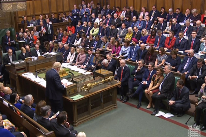 Το ιστορικό «Σούπερ Σάββατο» του Brexit στη βρετανική βουλή – Τζόνσον: «Δαπανηρή και καταστροφική» μια νέα αναβολή