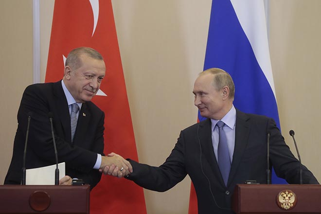 Σε συμφωνία για κοινές περιπολίες στη ζώνη ασφαλείας στη βόρεια Συρία κατέληξαν Πούτιν-Ερντογάν