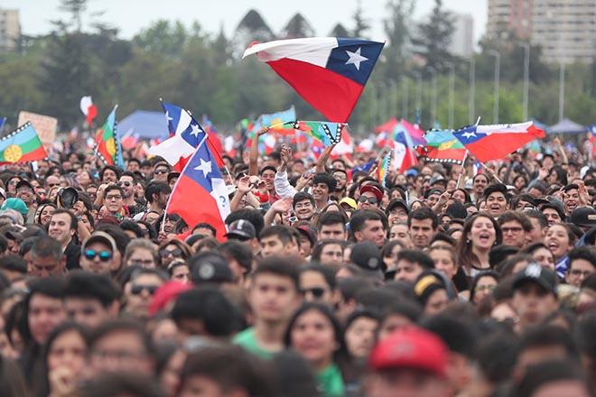 Χιλή: Δεν παραιτείται ο πρόεδρος Πινιέρα παρά την επιμονή των διαδηλωτών