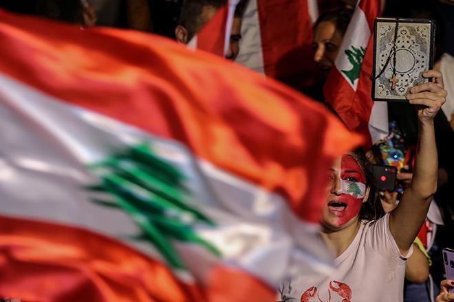 Παραιτείται ο πρωθυπουργός του Λιβάνου επικαλούμενος το «αδιέξοδο» των μαζικών διαδηλώσεων