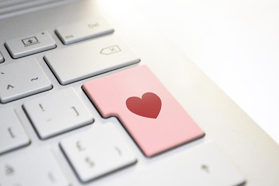 Πώς να φλερτάρουν σε απευθείας σύνδεση dating