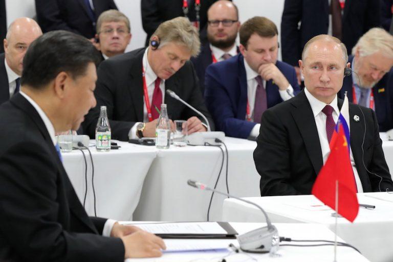 Οι BRICS σχεδιάζουν να απεμπλακούν από το δολάριο