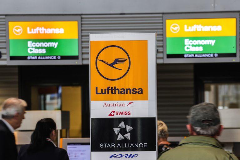 Μαζική απεργία του προσωπικού καμπίνας «γονατίζει» για δύο μέρες την Lufthansa