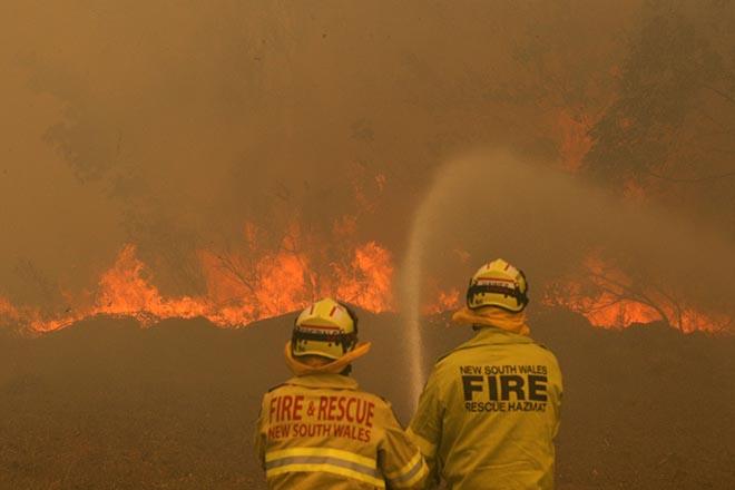 Προσπάθειες ελέγχου των πυρκαγιών στην Αυστραλία-Εφτασαν τους 25 τα θύματα