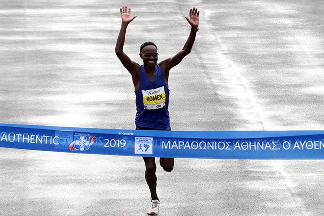 37ος Μαραθώνιος Αθήνας: Πρώτευσε ο 42χρονος Κενυάτης Κόμεν – Για τρίτη φορά Πανελληνιονίκης ο Γκελαούζος