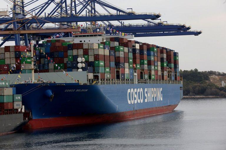 Handelsblatt για το λιμάνι του Πειραιά: «Είναι το Νο1 στη Μεσόγειο»