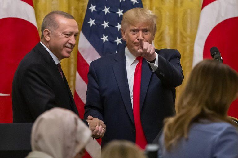 Σε φιλικό κλίμα αλλά με εκκρεμότητες η συνάντηση Τραμπ-Ερντογάν- Πού τα βρήκαν και πού διαφώνησαν