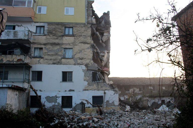 Σεισμός στην Αλβανία: 6,4 Ρίχτερ με τουλάχιστον έξι νεκρούς και εκατοντάδες τραυματίες