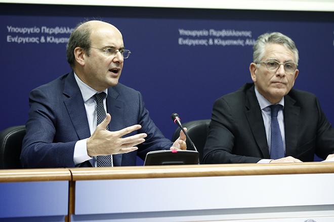 Εθνικό Σχέδιο για την Ενέργεια και το Κλίμα με επενδύσεις 43,8 δισ. ευρώ και κίνητρα για την ηλεκτροκίνηση