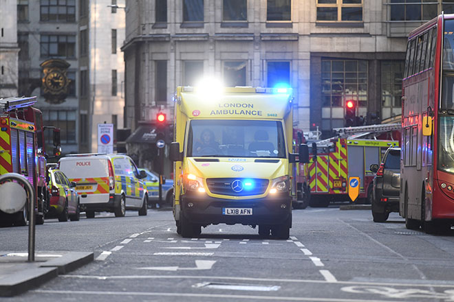 Τρόμος στη Γέφυρα του Λονδίνου: Δύο νεκροί από την επίθεση με μαχαίρι στην «καρδιά» της Μεγ. Βρετανίας