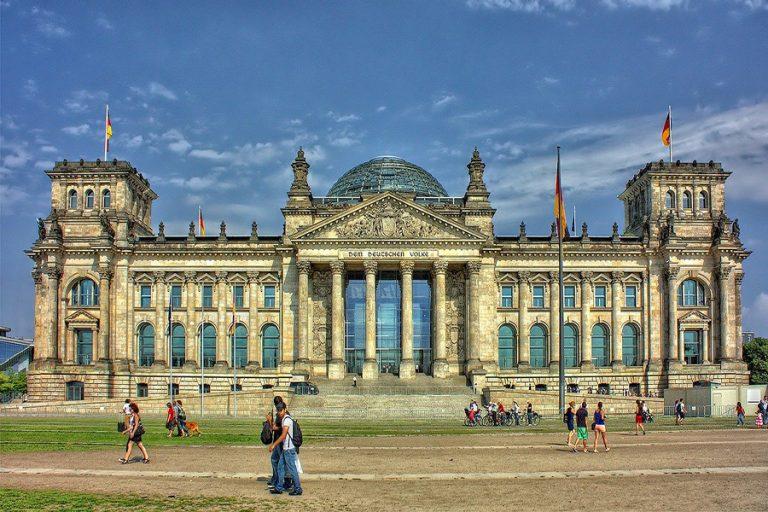 Ενστάσεις του γερμανικού Συνταγματικού Δικαστηρίου για το QE της ΕΚΤ- Το χαρακτηρίζει «εν μέρει» αντισυνταγματικό