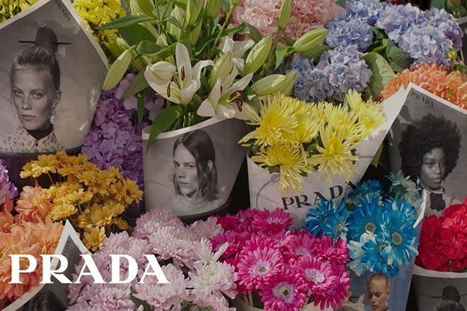 Ανθοπωλεία και ανθοδέσμες τυλιγμένες με φωτογραφίες επιστρατεύει για τη νέα του καμπάνια ο οίκος Prada (Βίντεο)