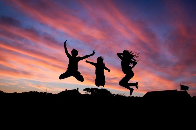Οι χώρες με τους πιο ευτυχισμένους ανθρώπους του κόσμου και η θέση της Ελλάδας
