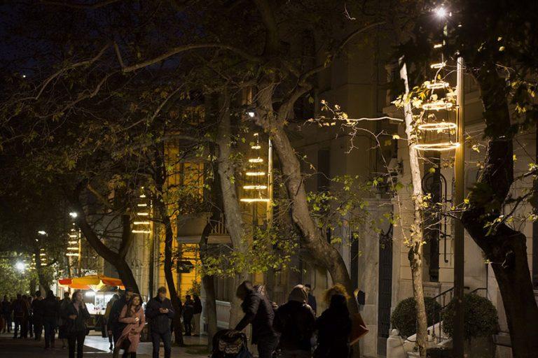 Ανάβει απόψε το χριστουγεννιάτικο δέντρο στο Σύνταγμα: Όλα όσα θα δούμε