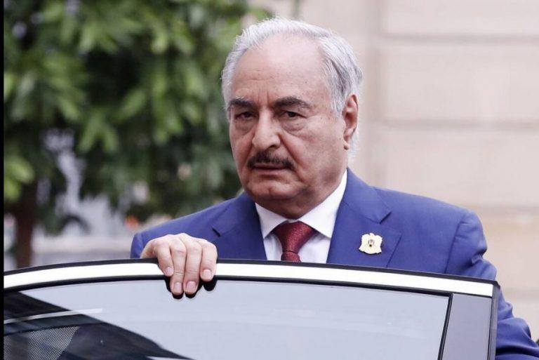 Έφυγε από τη Μόσχα χωρίς να υπογράψει τη συμφωνία εκεχειρίας ο Χαφτάρ