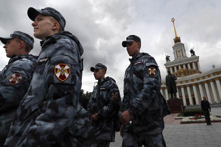 Μόσχα: Πυροβολισμοί κοντά στην Ομοσπονδιακή Υπηρεσία Ασφαλείας – Για «τρομοκρατική ενέργεια» κάνουν λόγο οι μυστικές υπηρεσίες