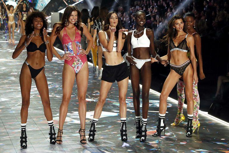 Μοντέλα της Victoria's Secret καταγγέλουν την εταιρεία για μισογυνισμό, εκφοβισμό και παρενόχληση