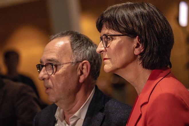 Aπορρίπτει το ενδεχόμενο επαναδιαπραγμάτευσης της προγραμματικής συμφωνίας με το SPD η Άνγκελα Μέρκελ