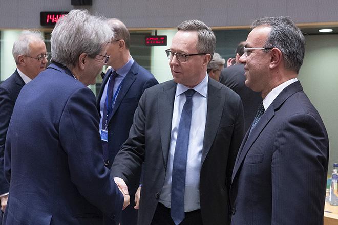 Πού θα βρει τα χρήματα για να αντιμετωπίσει τον κορωνοϊό το επερχόμενο Eurogroup