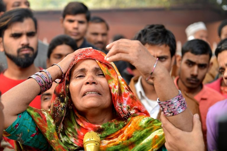 Τουλάχιστον 43 νεκροί από πυρκαγιά σε εργοστάσιο στο Νέο Δελχί