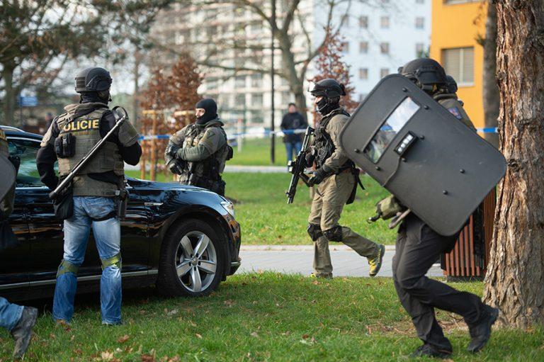 Έξι νεκροί από επίθεση σε νοσοκομείο στην Τσεχία