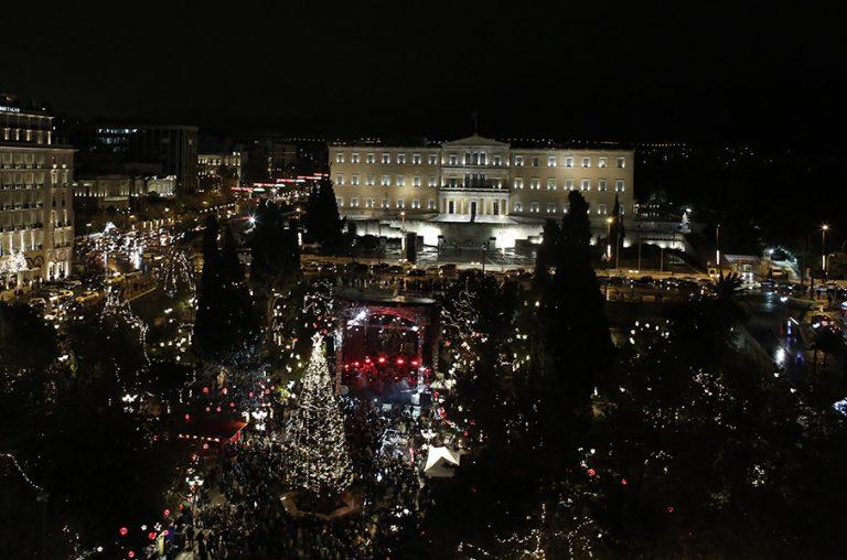 Με φαντασμαγορική γιορτή θα υποδεχτεί η Αθήνα το 2020, στο Σύνταγμα