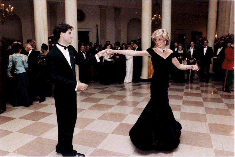 Φόρεμα της πριγκίπισσας Νταϊάνα πουλήθηκε πάνω από 252.000 ευρώ