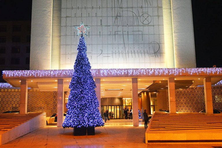 Οι εορταστικές προτάσεις του Hilton Αθηνών για τα Χριστούγεννα