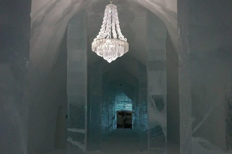 Ξενοδοχείο από πάγο στη Σουηδία (Βίντεο)
