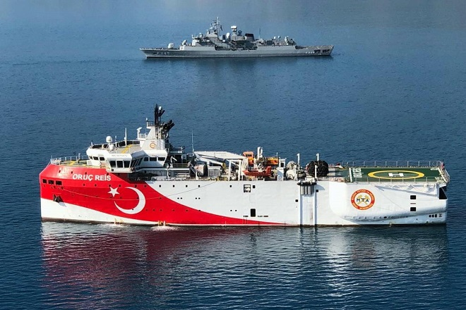 Deutsche Welle: Η ΕΕ ετοιμάζει λίστα κυρώσεων κατά της Τουρκίας