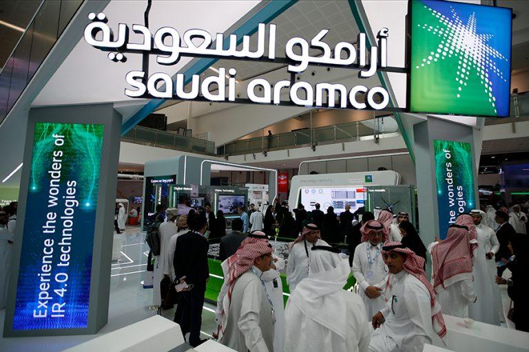 H Saudi Aramco πληρώνει ακριβά την ανοιχτή σύγκρουση Ιράν – ΗΠΑ