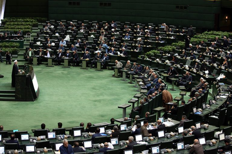 Βουλευτής από το Ιράν προσφέρει 3 εκατ. δολάρια σε «όποιον σκοτώσει τον Τραμπ»