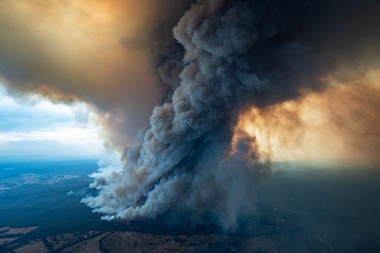 Στα ύψη θα είναι τα επίπεδα διοξειδίου του άνθρακα το 2020 εξαιτίας των πυρκαγιών στην Αυστραλία