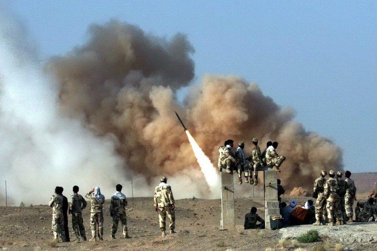 Αναζωπυρώνεται η ένταση στο Ιράκ: Επίθεση με όλμους σε στρατιωτική βάση- Τέσσερις τραυματίες