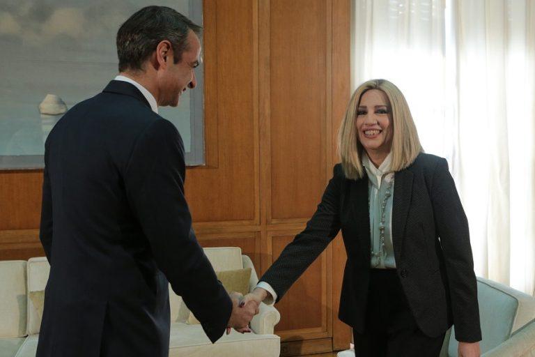 Σε εξέλιξη η συνάντηση του πρωθυπουργού με τη Φώφη Γεννηματά