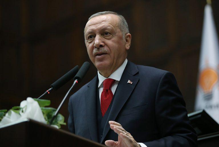 O Ερντογάν  «τραβάει το σχοινί»: Το φρικτό παιχνίδι του «Σουλτάνου» με τους πρόσφυγες