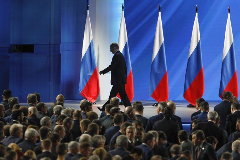 Παραιτήθηκε ολόκληρη η ρωσική κυβέρνηση μετά τις συνταγματικές αλλαγές που πρότεινε ο Πούτιν