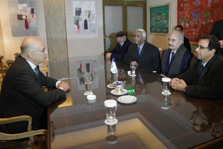 Διπλωματική αντεπίθεση από την κυβέρνηση με Χαφτάρ για τις τουρκικές προκλήσεις