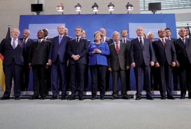Όλα τα βλέμματα στο Βερολίνο – Σε εξέλιξη η κρίσιμη διάσκεψη για το μέλλον της Λιβύης