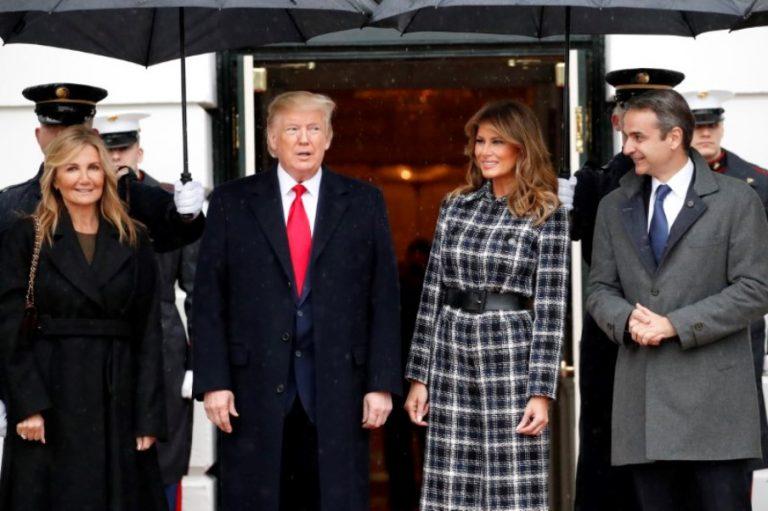 Μαρέβα Μητσοτάκη- Μελάνια Τραμπ: Με jumpsuits στην πρώτη επίσημη συνάντηση του προέδρου των ΗΠΑ με τον Έλληνα πρωθυπουργό