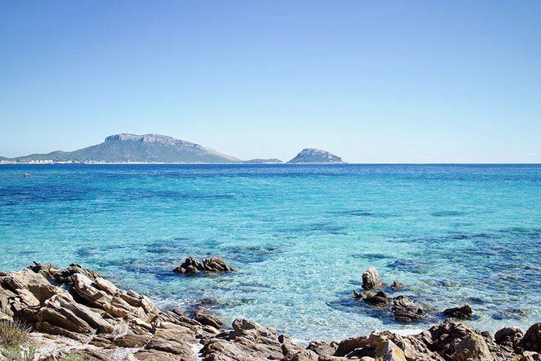 Οι πέντε «μπλε ζώνες» του πλανήτη – Τα μέρη όπου οι άνθρωποι ζουν καλύτερα περιλαμβάνουν και ένα ελληνικό νησί