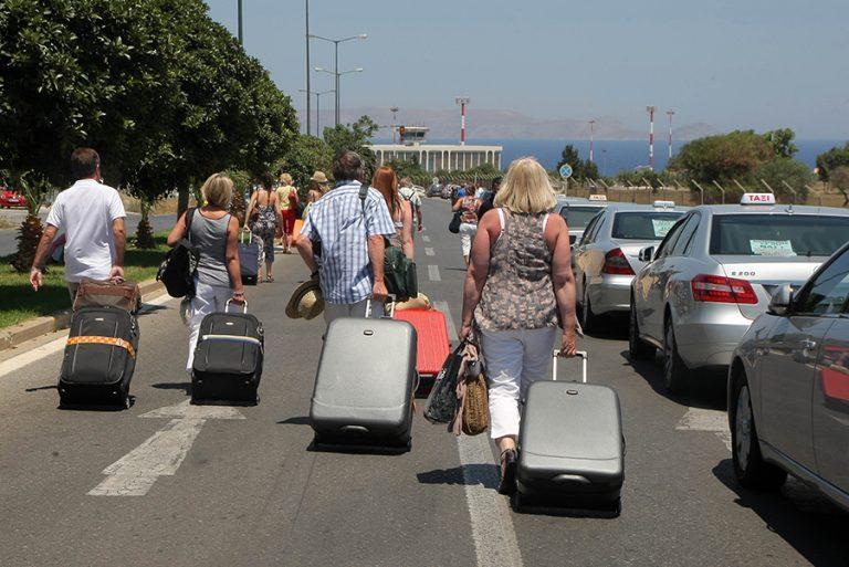 Ψυχραιμία από όλους με τον κορωνοϊό ζητά ο ΣΕΤΕ ενόψει της θερινής τουριστικής περιόδου