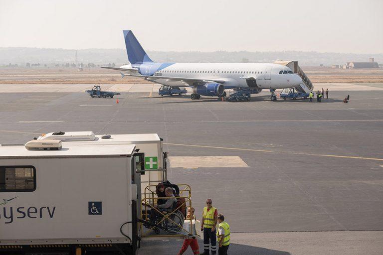Αναστέλλονται όλες οι πτήσεις από και προς τη βόρεια Ιταλία