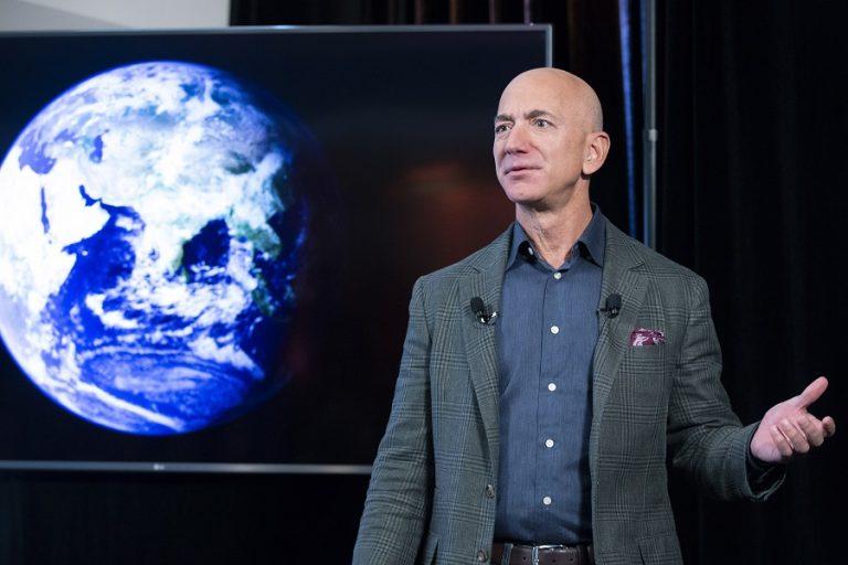 Αποχωρεί από CEO της Amazon ο Τζεφ Μπέζος- Ποιος θα αναλάβει τη θέση του