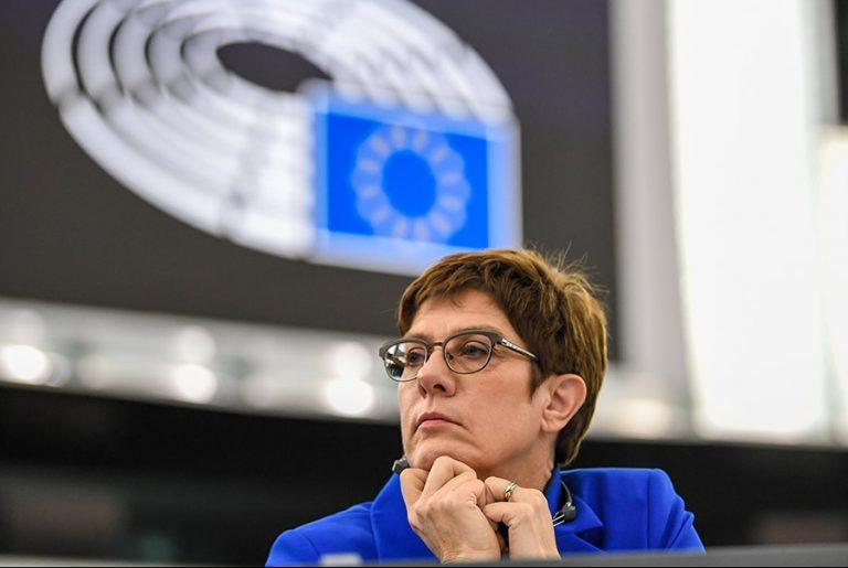 Θα είναι η Ανεγκρέτ Κραμπ-Καρενμπάουερ η επόμενη Γενική Γραμματέας του ΝΑΤΟ;