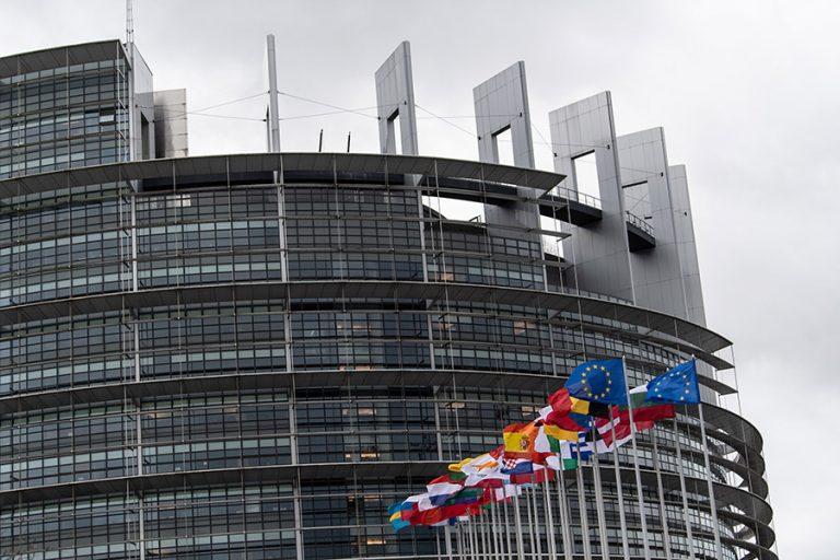 Eurostat: Αυτές είναι οι παγκόσμιες δυνάμεις σε πληθυσμό και πλούτο – Πτώση της ΕΕ στο παγκόσμιο ΑΕΠ