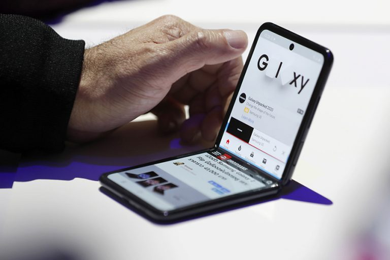 Τα αναδιπλούμενα τηλέφωνα εξακολουθούν να αντιμετωπίζουν προβλήματα σε τεστ ανθεκτικότητας