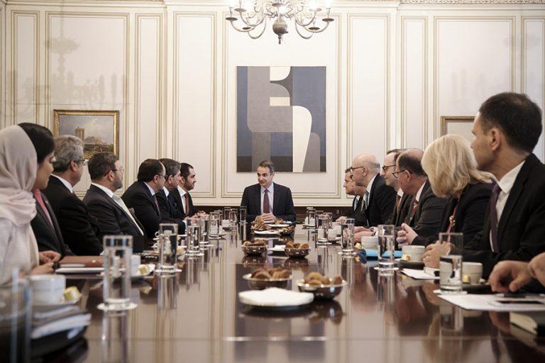 Συνάντηση Μητσοτάκη με τον υπουργό Επικρατείας των Ηνωμένων Αραβικών Εμιράτων