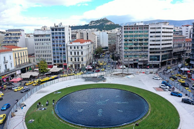 Πλατεία Ομονοίας: Γέμισε νερό το συντριβάνι- Εντυπωσιακές εικόνες από ψηλά
